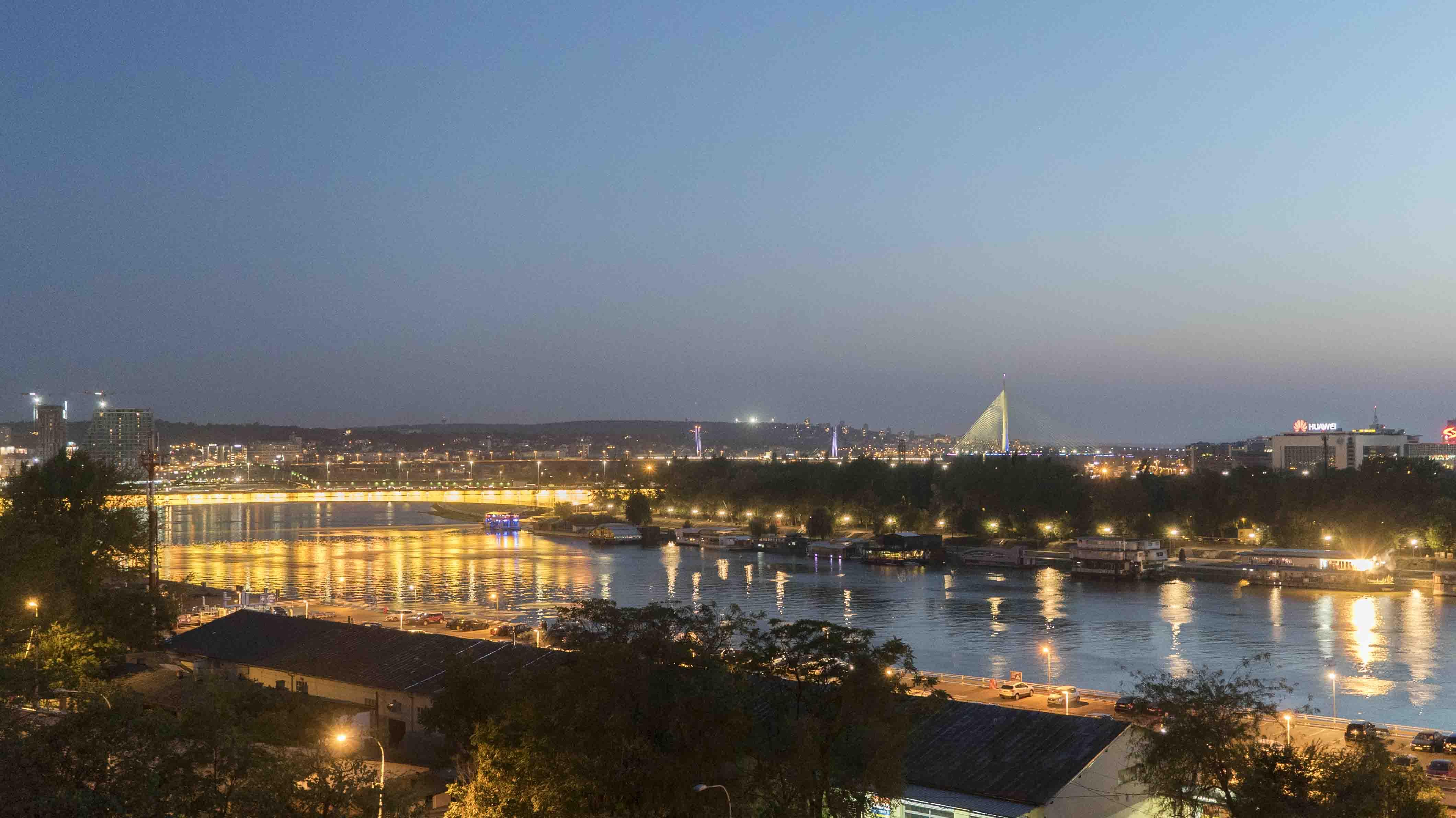 ... Raum Für Ideen: Serbiens Hauptstadt Belgrad Sucht Ihren Weg Zwischen  Traumatischen Erinnerungen Und Dem Aufbruch